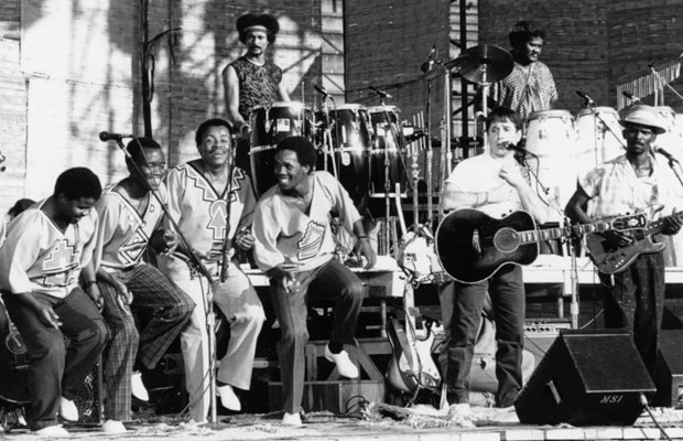 Ladysmith Black Mambazo, Francis Fuster, Paul Simon, Okyerema Asante and Ray ...
