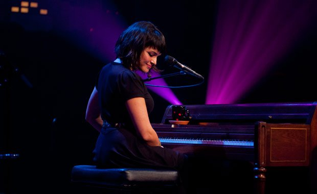 Norah Jones sings songs from her Dangermouse-produced album