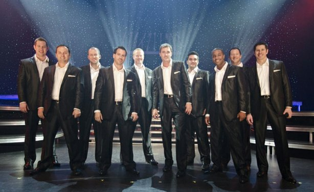 Straight No Chaser's performance, filmed live at Harrah's Resort in Atlantic City, New Jersey, is a journey through the decades of the pop songbook.