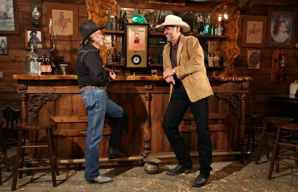 "HISTORY DETECTIVES host Eduardo Pagán helps Gene Newberry find out why singer-songwriter Bob Nolan would say ""Tumbling Tumbleweeds,"" one of the most popular cowboy songs ever, had been both good and bad to him."