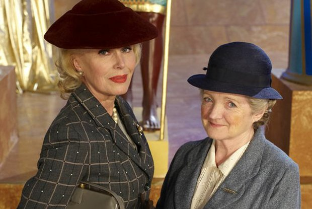Joanna Lumley guest stars as Dolly Bantry, with Julia McKenzie as Miss Marple.