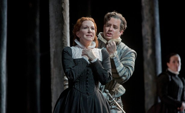 "Joyce DiDonato as the title character and Matthew Polenzani as Leicester in Donizetti's ""Maria Stuarda."""