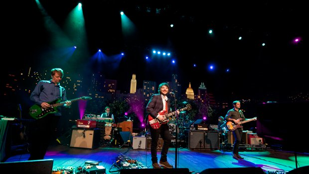 Modern rock band Wilco returns to AUSTIN CITY LIMITS with tunes from its LP