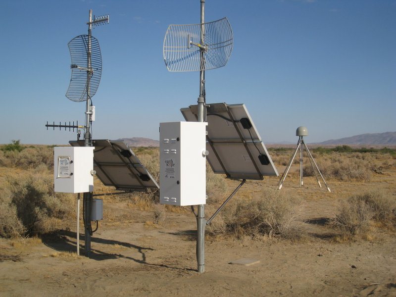 A co-located GPS and Seismic station in the Borrego Valley.