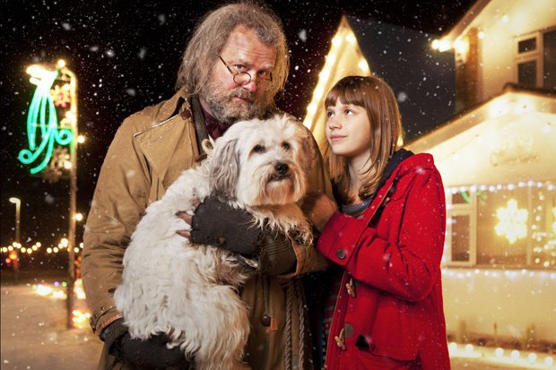 Mr. Stink (Hugh Bonneville), Duchess (Pudsey), Chloe (Nell Tiger-Free).