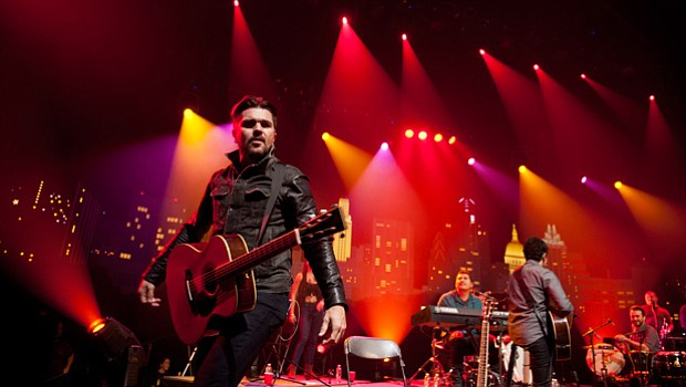 Colombian superstar Juanes heats up the AUSTIN CITY LIMITS stage.