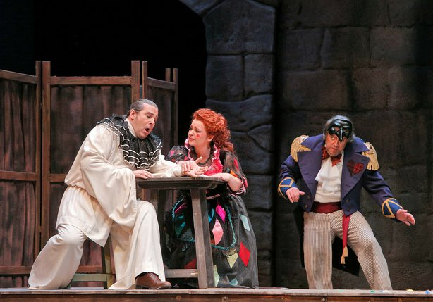 "San Diego Opera kicks off its 2014 season with ""Pagliacci."""