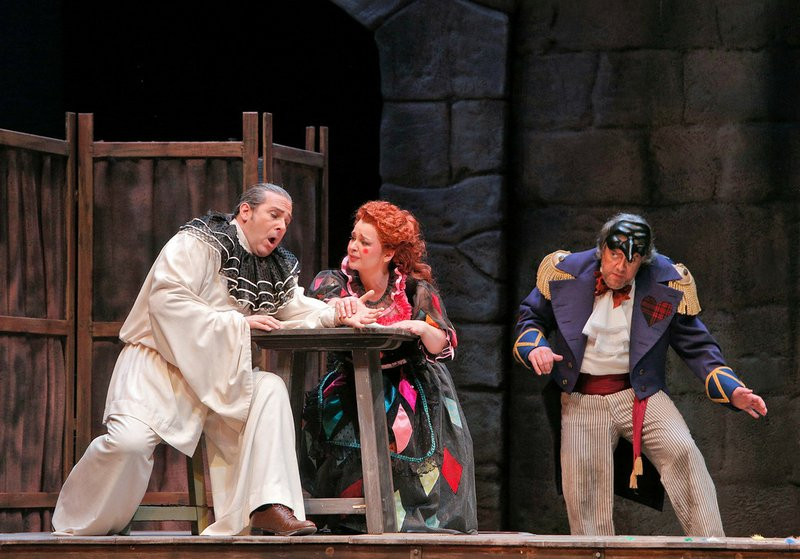 San Diego Opera kicks off its 2014 season with