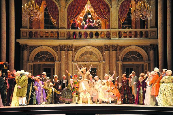 San Diego Opera's board of directors has voted to keep the company open and mount a 2015 season.