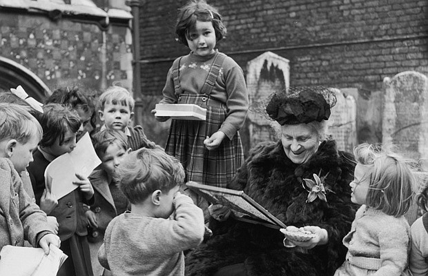Italian educator Maria Montessori (1870 - 1952) visits the Gatehouse School i...