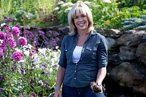 ANNABEL LANGBEIN: THE FREE RANGE COOK: Lunch On The Grill (New Series Premiere)