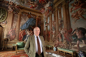 Photo for Great Houses With Julian Fellowes