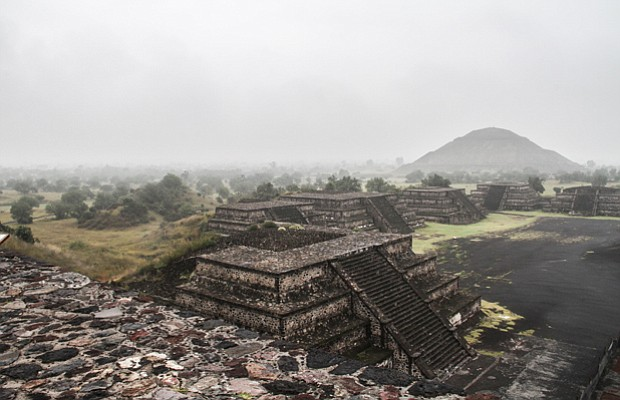 The ancient Mexican city of Teotihuacán is one of the biggest ghost towns in ...