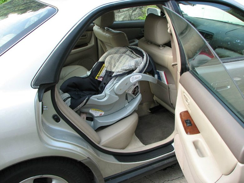 New California Law Requires Rear Facing Car Seats For Children Under