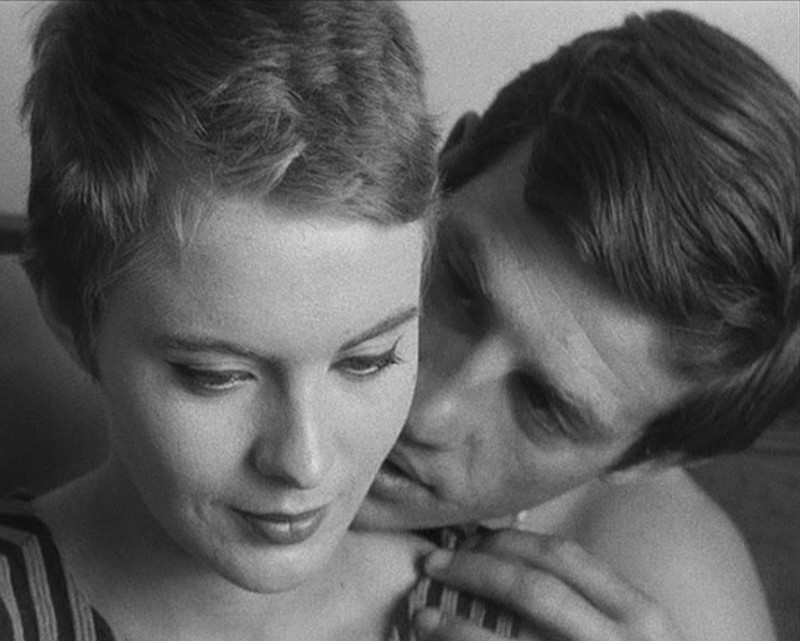 Jean Seberg and Jean-Paul Belmondo star in the directorial debut of Jean-Luc ...