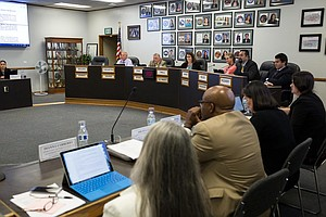 Sweetwater School Board Gives OK To Sell iPads District A...