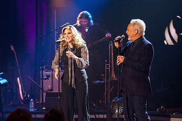 Special guest Alison Krauss joins Tom Jones in this SOUNDSTAGE special.