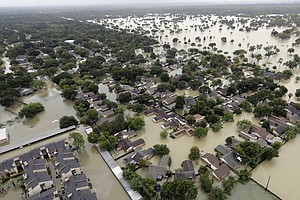 Harvey Makes Landfall In Louisiana As Houston Copes With ...