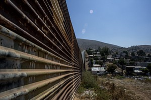 US Awards Contracts For Prototypes Of Concrete Border Wall