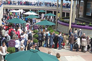 ANTIQUES ROADSHOW: Eastbourne Bandstand 1
