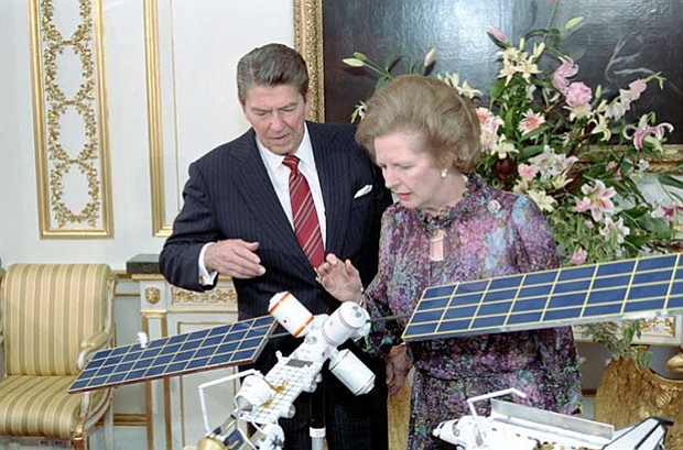 President Ronald Reagan and British Prime Minister Margaret Thatcher viewing ...