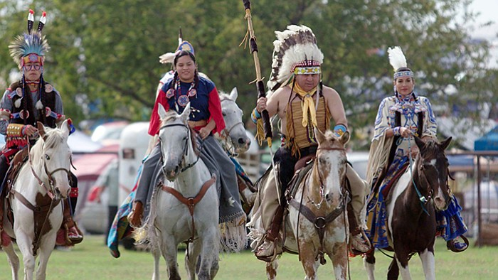 how did the comanche tribe adapt to their environment