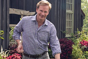 P. ALLEN SMITH'S GARDEN HOME: Deck The Halls