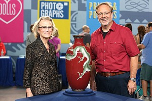 Photo for ANTIQUES ROADSHOW: Junk In The Trunk 8
