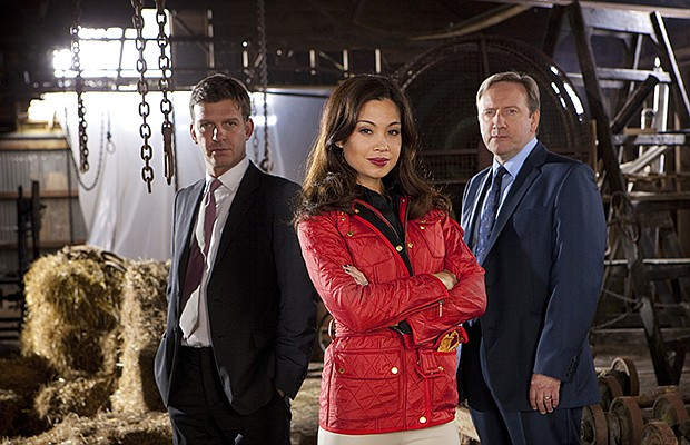 Jason Hughes (as DS Benjamin Jones), Natalie Mendoza (as Sasha Fleetwood in