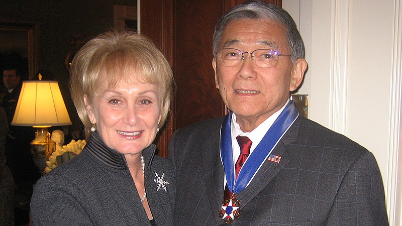 Norman Mineta (right) is awarded Presidential Medal of Freedom. His wife Deni...