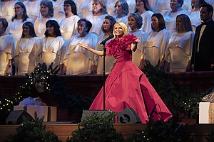 Christmas With The Tabernacle Choir Featuring Kristin Che...