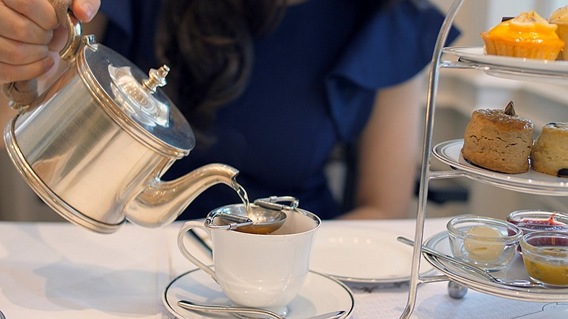 Royal tea. If you've ever wondered what is in the Royal refrigerator, this do...