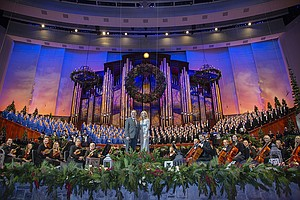 Photo for Christmas With The Tabernacle Choir Featuring Kelli O'Hara And Richard Thomas