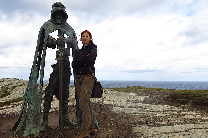 Professor Alice Roberts and a team of experts use new archaeological discover...