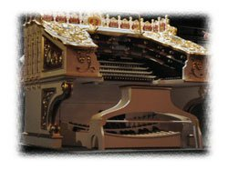The Spectacular Wonder Morton Organ Console at the Balboa Theatre. Photo by Nancy Kern