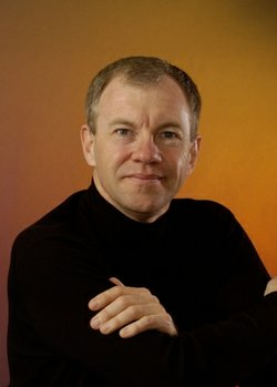 Image of pianist Anton Nel, who will perform with the St. Petersburg Quartet on Nov. 23 at Athenaeum Music & Arts Library.
