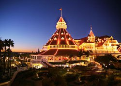 Exterior photo of the Hotel del Coronado at night