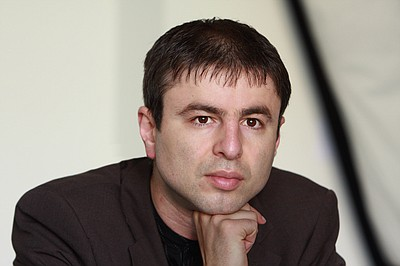 Photo of poet, essayist and translator, Nikola Madzirov.