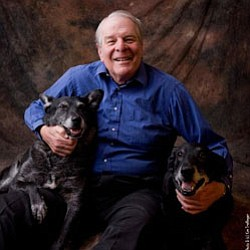 Image of author and broadcaster Richard Lederer.