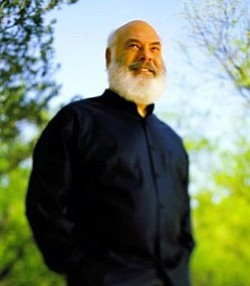 Promotional image of Andrew Weil, M.D., who will be presenting at Natural Supplements Conference on February 1, 2013.