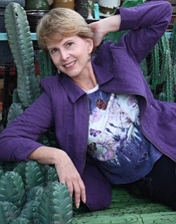 Image of garden photojournalist and author, Debra Lee Baldwin.