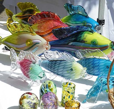 Artwork by blown glass artist Ann Mitchell, San Diego. Courtesy of the Art Glass Guild.