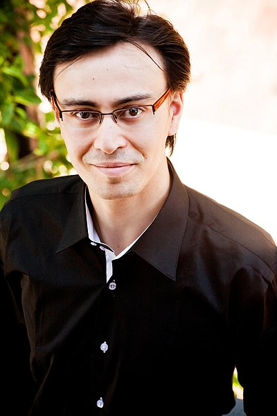 Image of conductor, Ken-David Masur.