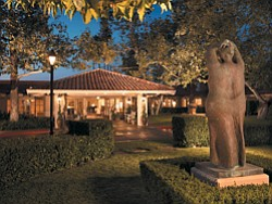 Exterior image of the Rancho Bernardo Inn entrance.