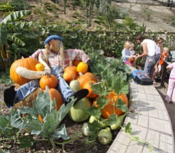 Promotional photo of San Diego Botanic Garden's Halloween Party With The Big Pumpkin on October 31st. Courtesy photo of San Diego Botanic Garden.
