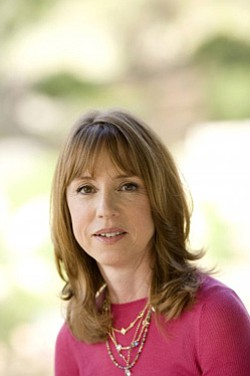 Image of author Lisa See.