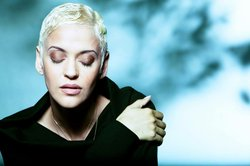 Image of Mariza, who will be performing at the Joan and Irwin Jacobs Music Center on November 2nd, 2013.