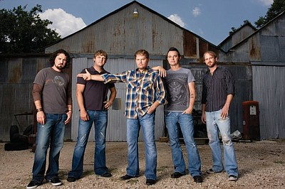Graphic photo of the Randy Rogers Band.