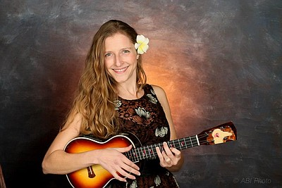 Image of Sarah Maisel, who will be performing with Paul Tillery at the Encinitas Library on October 6th, 2013.
