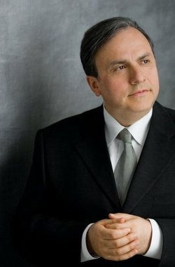 Image of Yefim Bronfman, who will be playing Beethoven on December 13th - 15th, 2013.